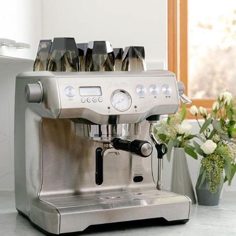 Kitchen Warehouse 精选咖啡机、杯热卖