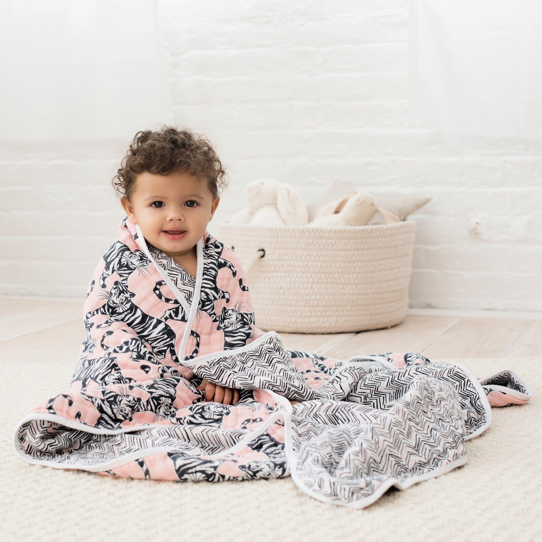 M/&F Western Baby Girls Fleece Lined Slippers 6-7 Toddler M Pink Mossy Oak//White Slipper LG Infant//Toddler