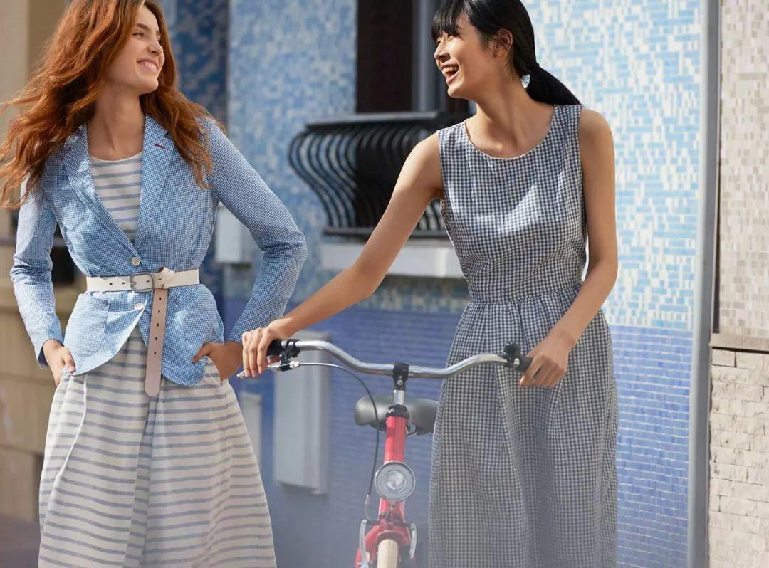 优衣库和法国著名模特,香奈儿多年的代言人伊娜女神的联名款已经出了