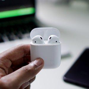 新低价:Apple AirPods 2nd 带充电盒热卖