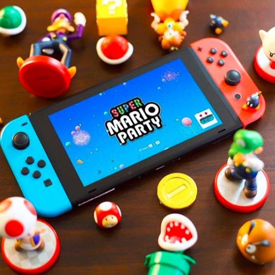 Nintendo任天堂 Switch 经典红蓝款游戏机