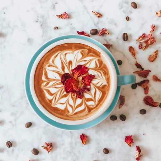 Myer 高颜值咖啡机热卖 不来杯暖暖的咖啡吗?